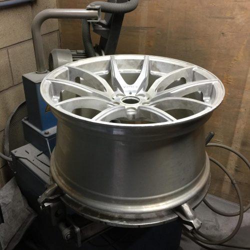 Preparation of wheel on turntable