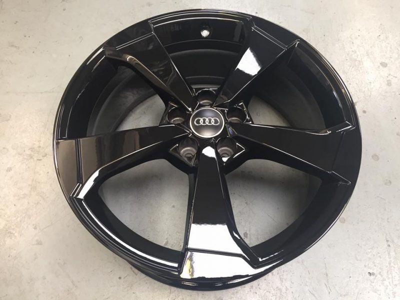 Gloss black audi wheel