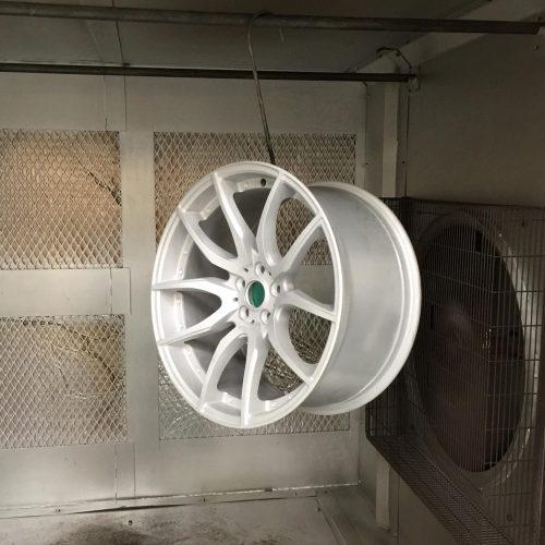 De-gassing wheel in oven